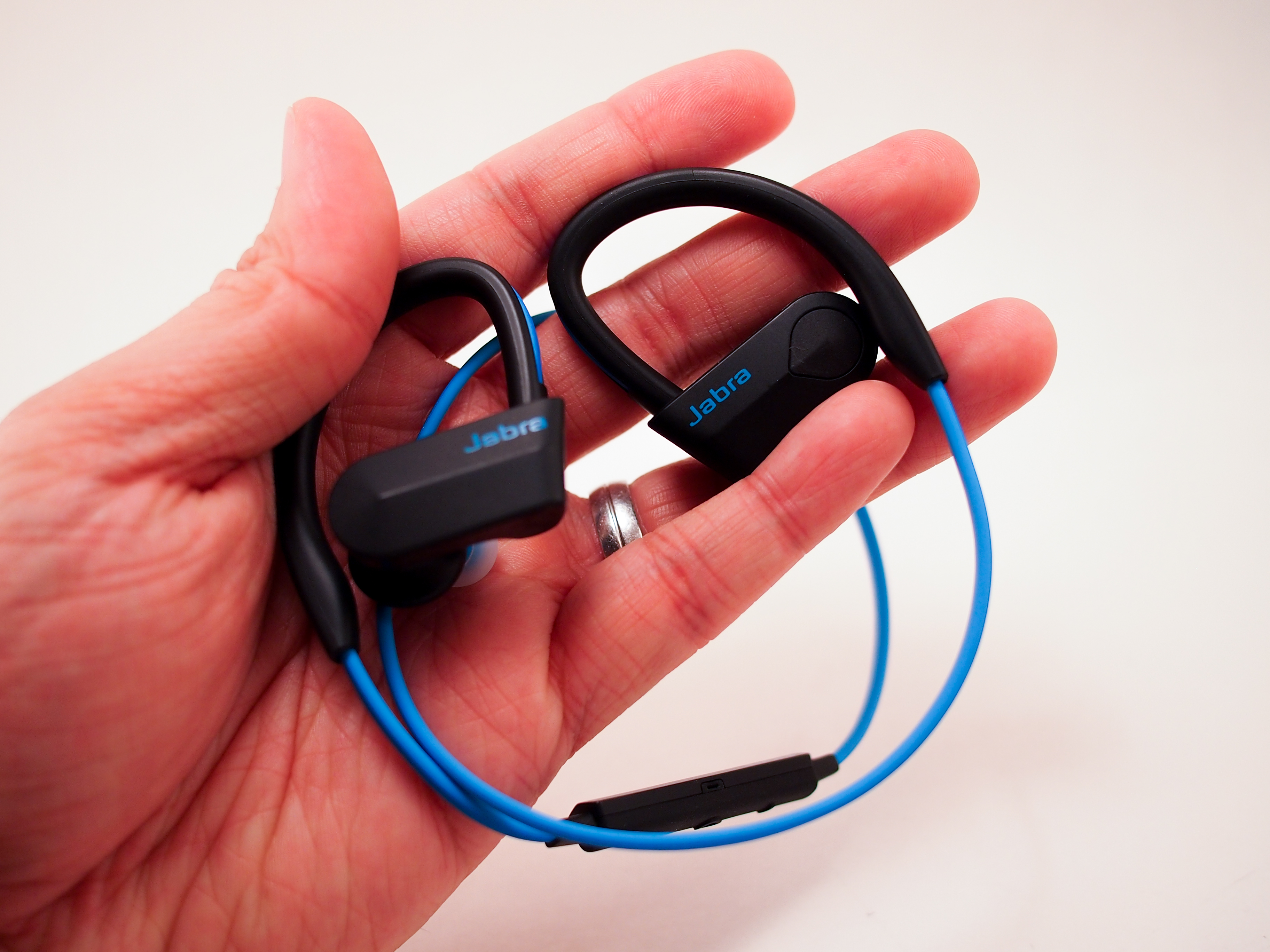 Jabra Sport Pace Wireless Earbuds Review The Gamer With Kids