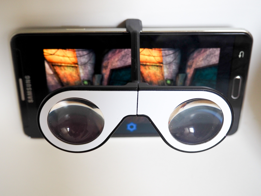 2973b282727e It s actually a very effective and efficient design. It works just as well  as a regular Google Cardboard unit and with this