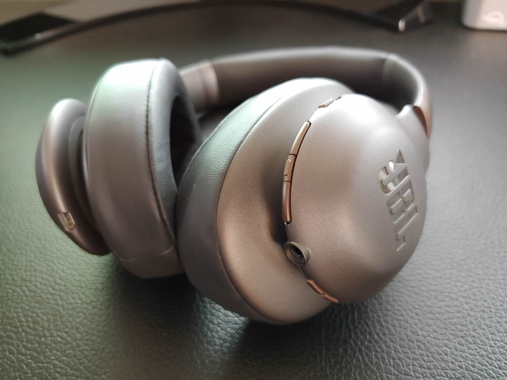 Jbl Everest 710ga Wireless Headphone With Google Assistant Review The Gamer With Kids